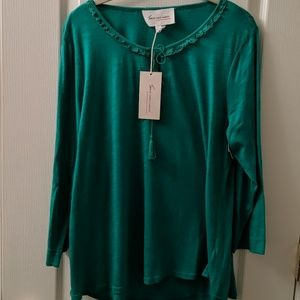 Two By Vince Camuto Lace embellished top NWT